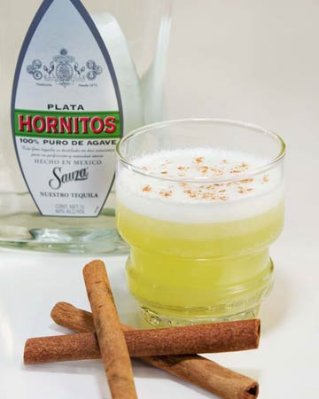 Cascabeles Cctel (Sleighbell Cocktail) with Hornitos Plata Tequila