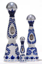 tequila clase azul reposado - ceramic bottle