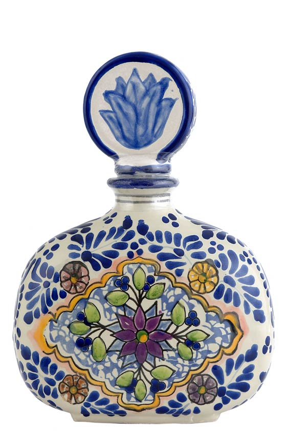 A ejo tequila bottles photographs pictures nine l to n for Hacienda los azulejos